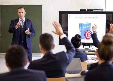 OBTENIR UN DIPLÔME EN GESTION HÔTELIÈRE EN SUISSE Ecole de Management en Hotellerie Restauration a Geneve en Suisse 466x310