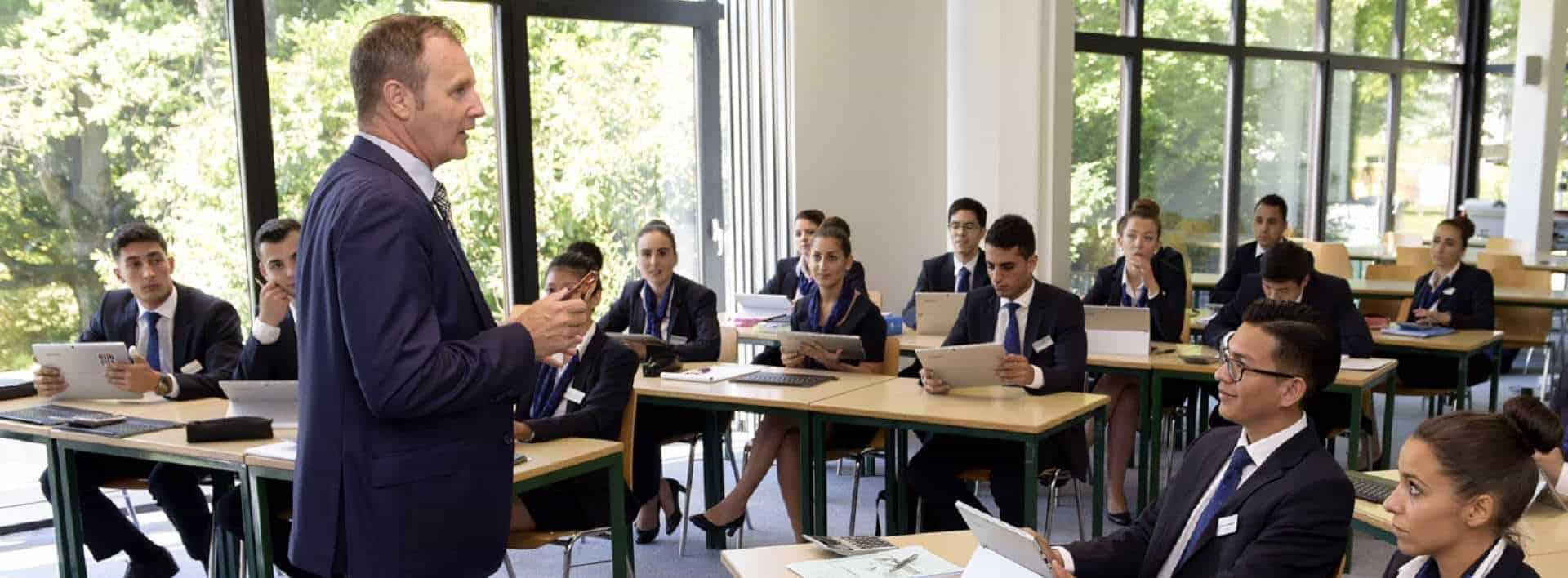 Quels sont les Perspectives de carrières en étant diplomé de l'Ecole Hôtelière de Geneve. Perspectives de carrières dans l'hôtellerie