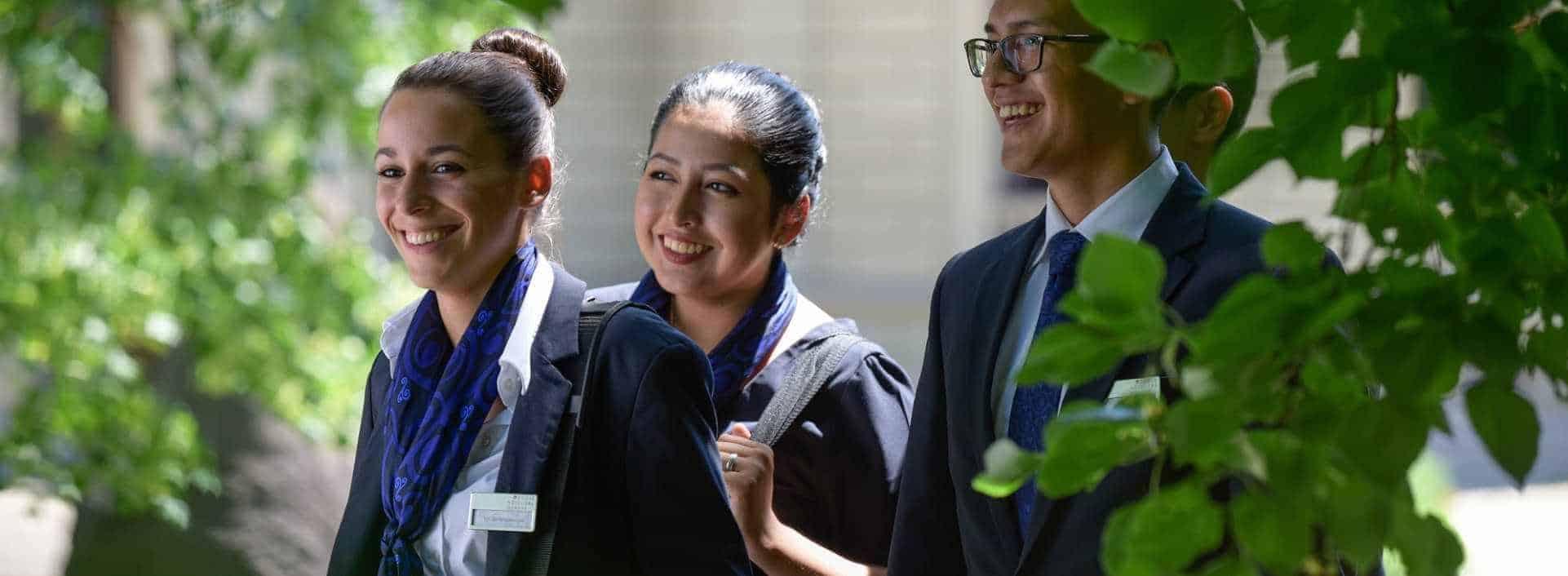 Recruter nos étudiants de l'Ecole Hôtelière de Genève vous assure d'avoir fait appel a un futur professionnel