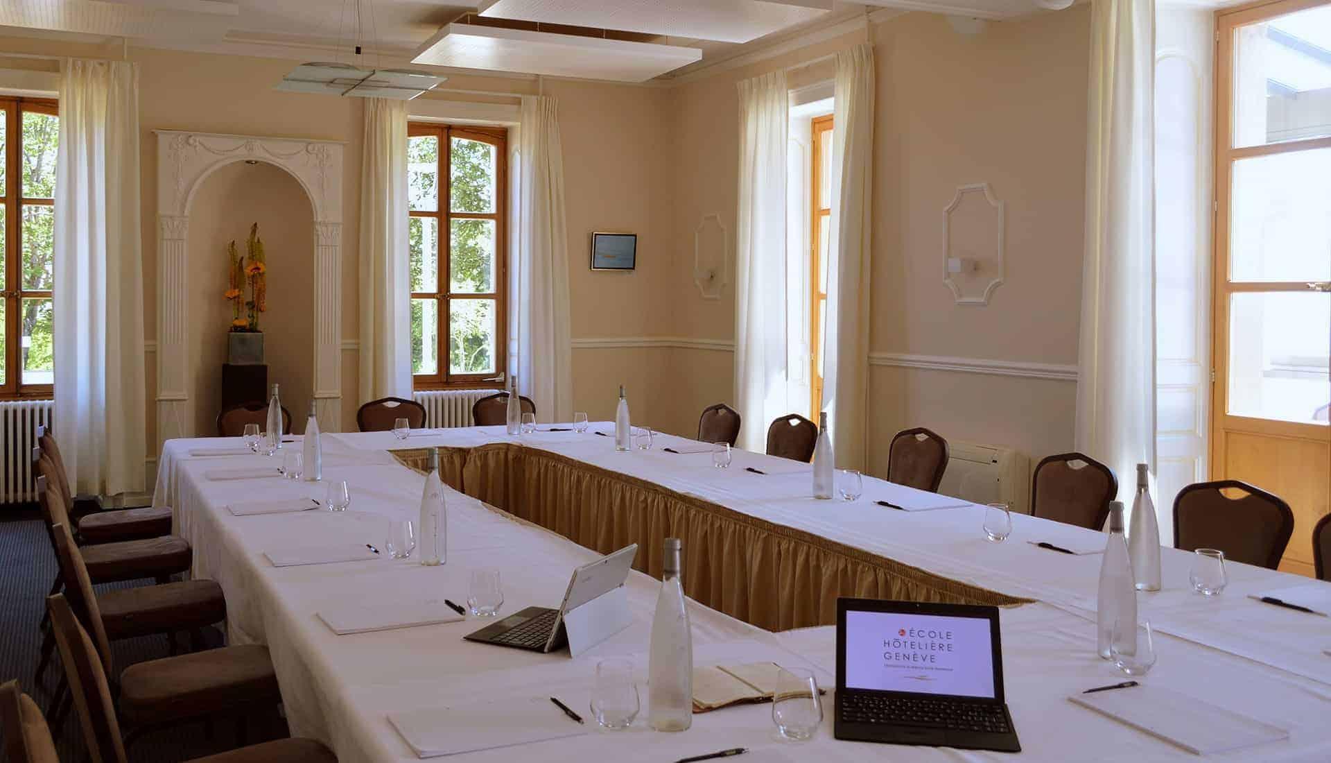 Organiser votre séminaire a Genève -location de salles de réunion à Genève - Restaurant Vieux Bois