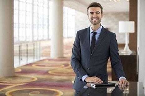 to become a hotel manager - Se former au métier de directeur général
