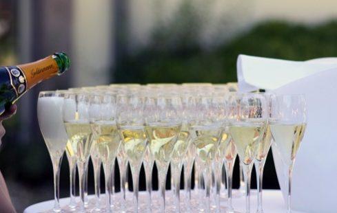Service Traiteur à Genève pour vos événements privés, corporatifs ou d'entreprise, cocktail, baptème, anniversaire, mariage, gala & banquet.