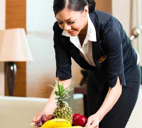 Your want to become trained as hotel housekeeper. Make your dream come true with ANIFOR. In Canton of Valais our Hospitality School for Adult - Formation au métier de Gouverante - Anifor centre de formation professionnelle hotelier du Valais Suisse