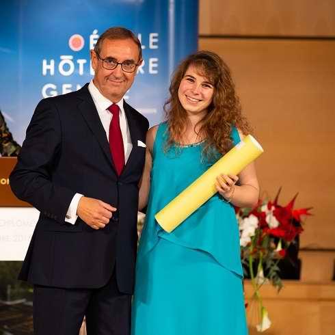 Ceremonie de Remise des diplomes a l'Ecole hoteliere de Geneve - Alexia Francano Major de promotion vol.131