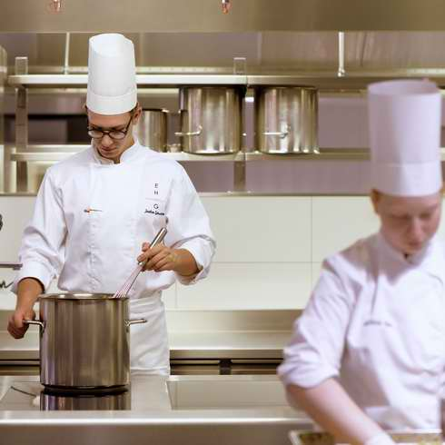 Hotel Diploma program at Hotel Management School Geneva EHG Traiteur - Faites appel à un Chef de Cuisine à domicile à Genève - Call on a Chef at Home in Geneva