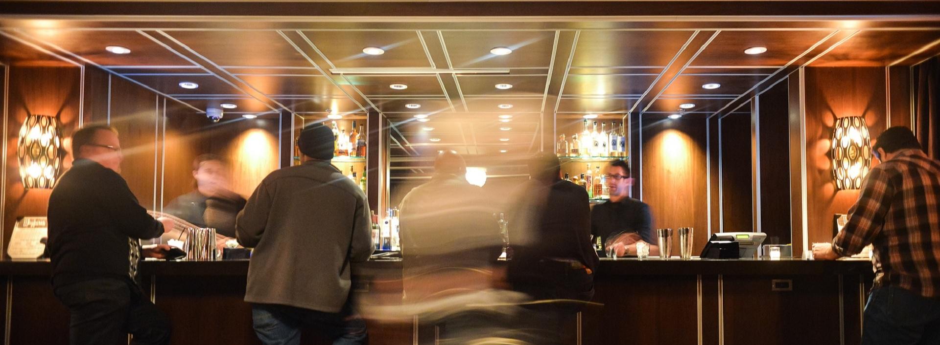Découvrez le métier de Chef Barman avec Anifor, cnetere de formation professionnelle du Valais