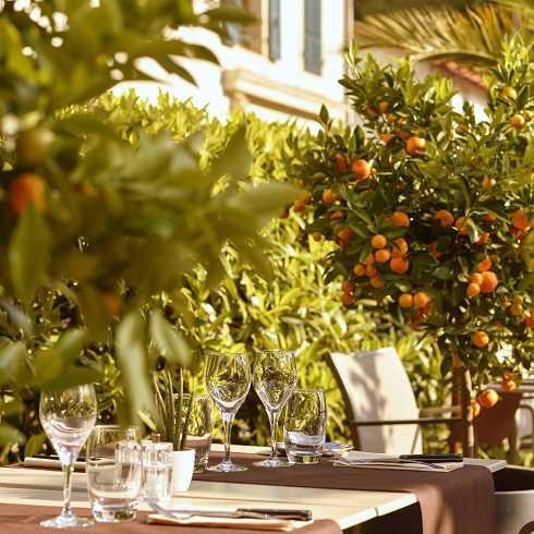Organiser votre cocktail sur la terrasse du restaurant l'Auberge a Chambesy Geneve