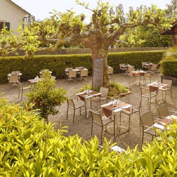 Organiser et réussir un baptême - Restaurant avec terrasse à Chambesy - Le restaurant L'Auberge GenèveOrganiser et réussir un baptême - Restaurant avec terrasse à Chambesy - Le restaurant L'Auberge Genève