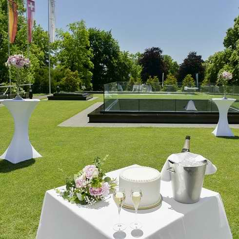 Meetings and Events in Geneva - Celebrate your Wedding Anniversary in Geneva at Restaurant Vieux Bois Genève