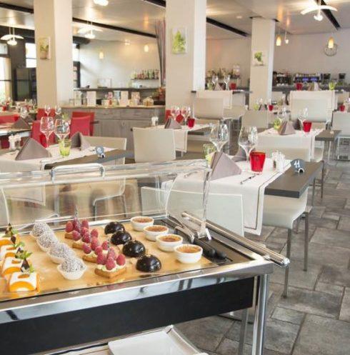 Le restaurant aux acacias - Le Trinquet a Genève et son chariot de dessert