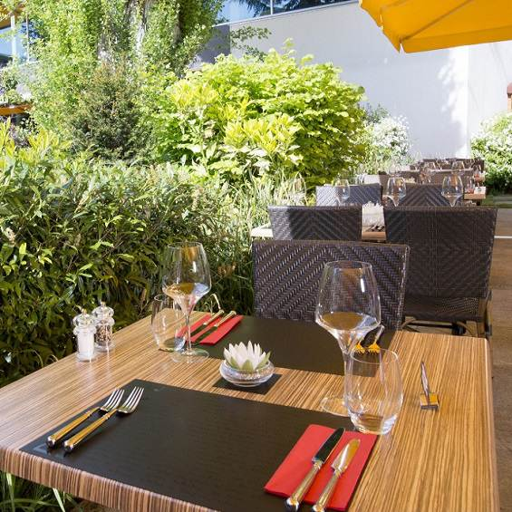 Profitez d'une terrasse dans le quartier des acacias a Genève - Restaurant Le Trinquet Genève