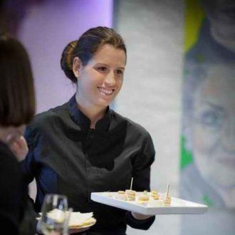 Service traiteur événementiel à Genève |Organize a gala dinner in Geneva Signé EHG, un service de restauration au service de votre meeting a Genève