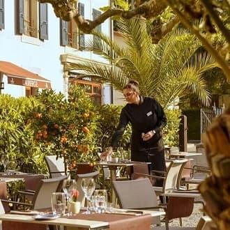 Restaurant avec terrasse à Chambesy Le restaurant L'Auberge à 5 minutes de Genève