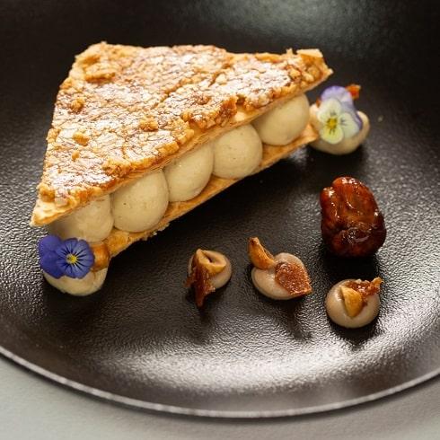 Venez déguster au restaurant L'Auberge notre Millefeuilles marrons-noisettes