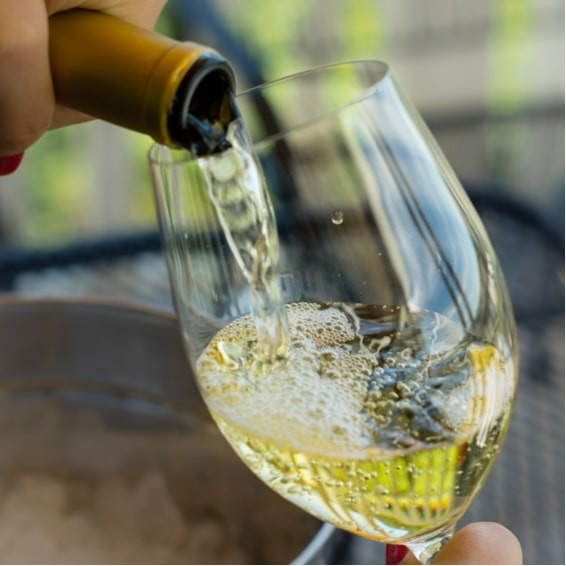 Deguster Un choix des meilleurs vins suisse au Village du Vin a Ecole Hoteliere Geneve 565